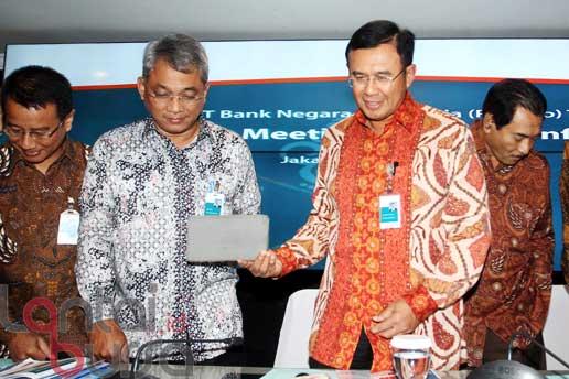 lantaibursa.id/MS Fahmi Direktur Utama BNI Ahmad Baiquni (dua kanan) didampingi jajaran direksi saat jumpa pers terkait Kinerja BNI Kuartal III 2016 di Jakarta, Kamis (13/10). Pada Kuartal III 2016, BNI mencatat laba sebesar Rp 7,72 Triliun atau tumbuh 28,7 persen dibandingkan laba yang diperoleh dari tahun sebelumnya.