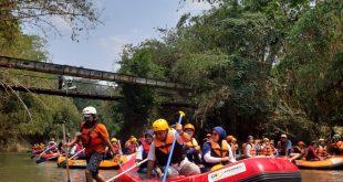 Peringati Hari Ciliwung, Millennials Askrindo dan Yalisa Gelar Aksi Bersih Bersih Sungai