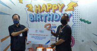 Peringati HUT ke-25, BNI Sekuritas Bagikan Paket Sembako dan Vitamin untuk Karyawan serta Masyarakat