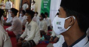 Cegah COVID-19, BNI Syariah-GPM Lakukan Sosialisasi Masker di Pesantren