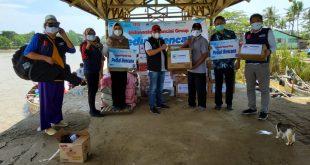 Askrindo Bantu Anak Terdampak Banjir Muara Gembong
